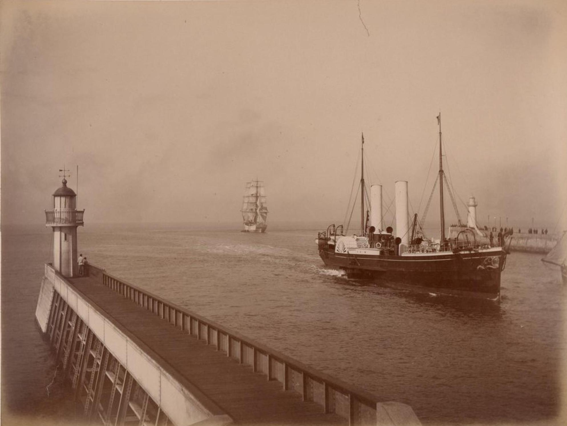 Саутгемптонская пароходная компания, Гавр, Судно «Британия»
