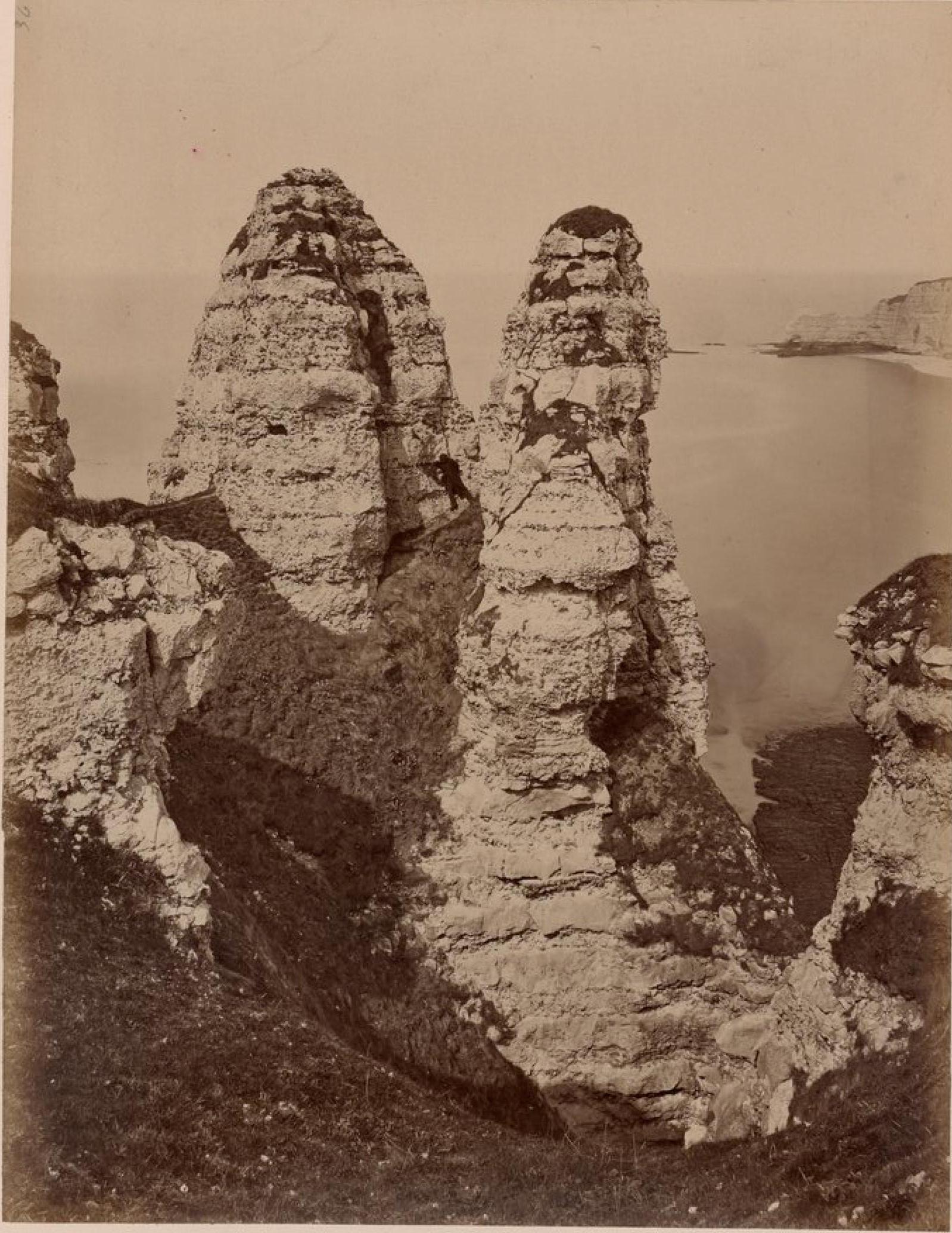 Этрета. Грибообразная скала