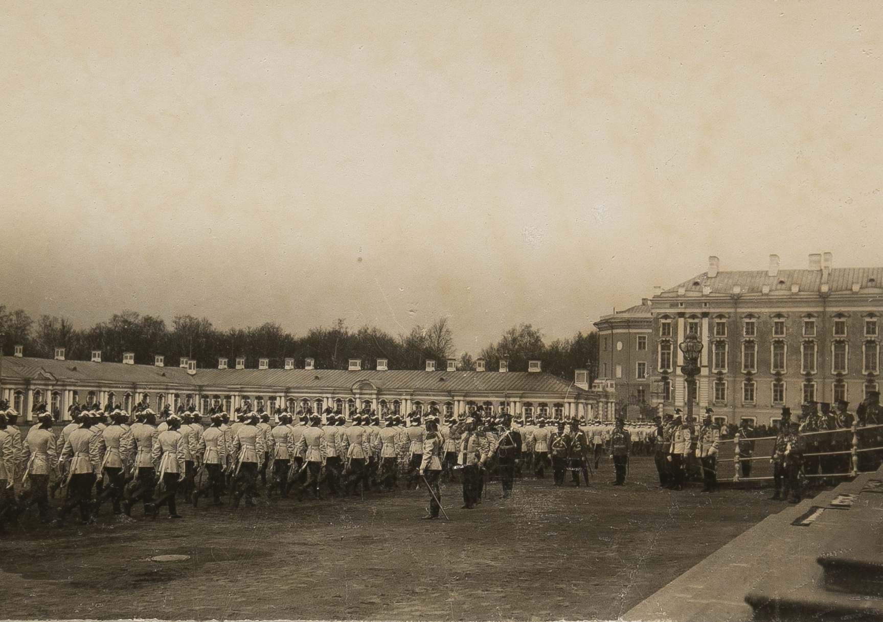 Церемониальный проход Лейб-гвардии Кирасирского Его величества полка в Царском Селе