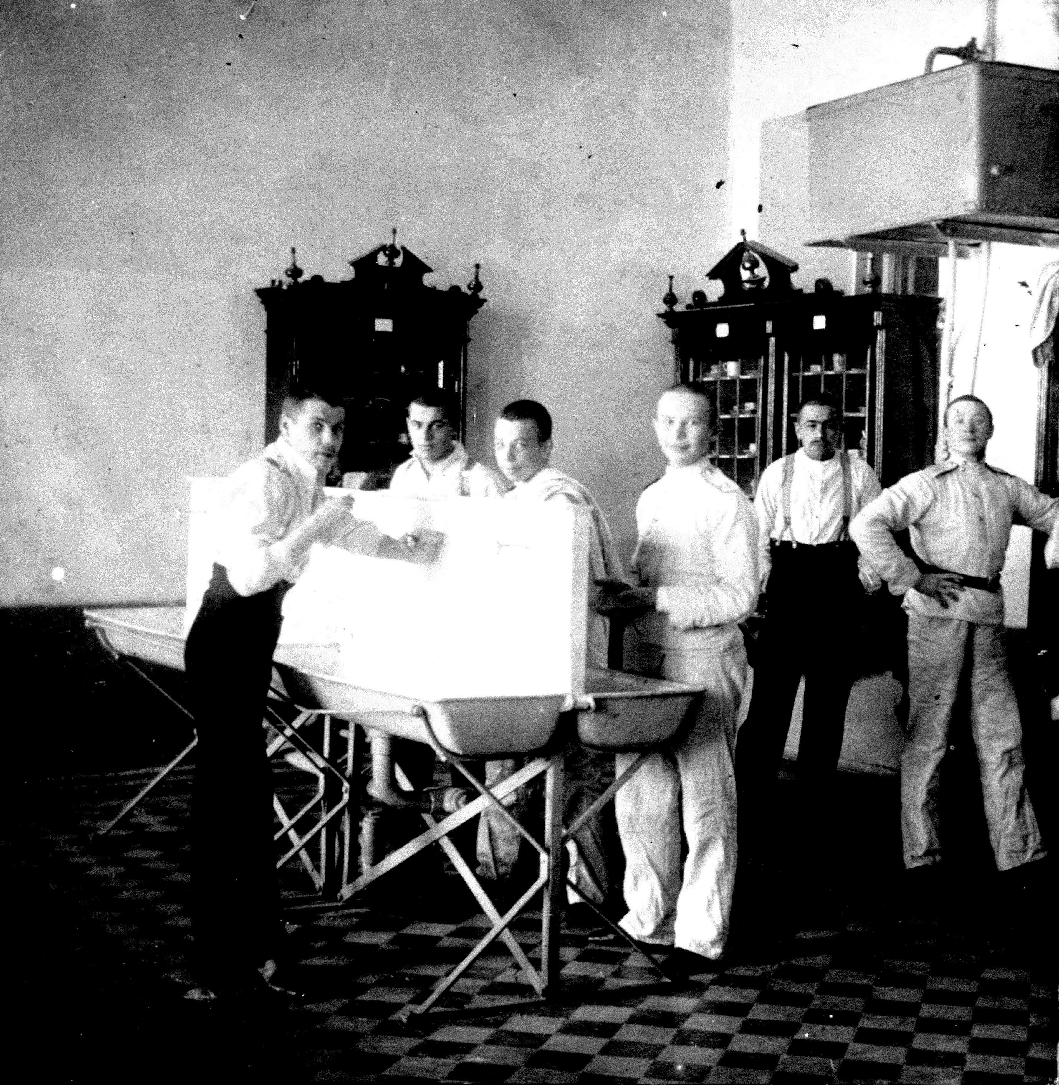 Комната для умывания. Сибирский кадетский корпус