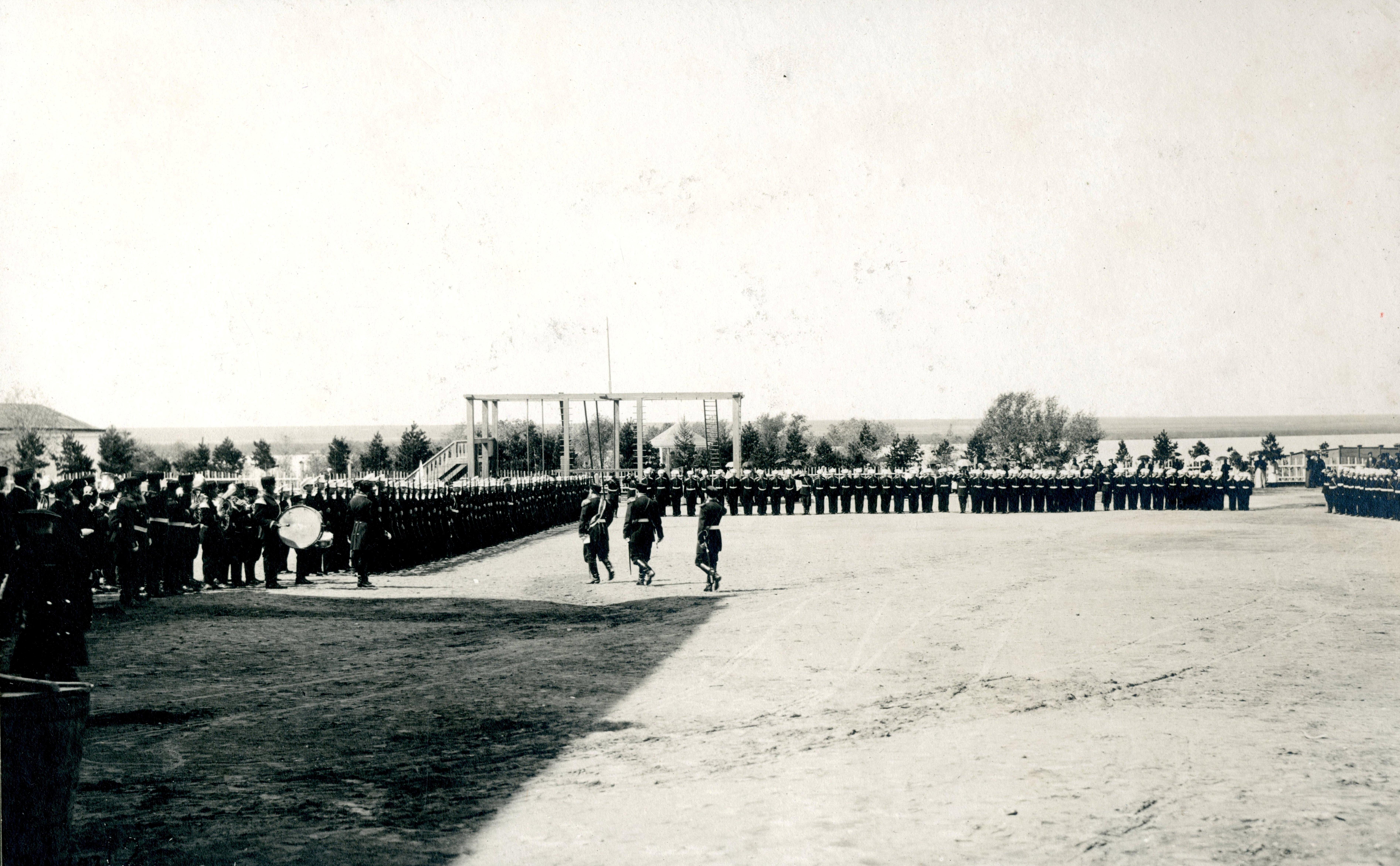 Торжественное построение Сибирского кадетского корпуса