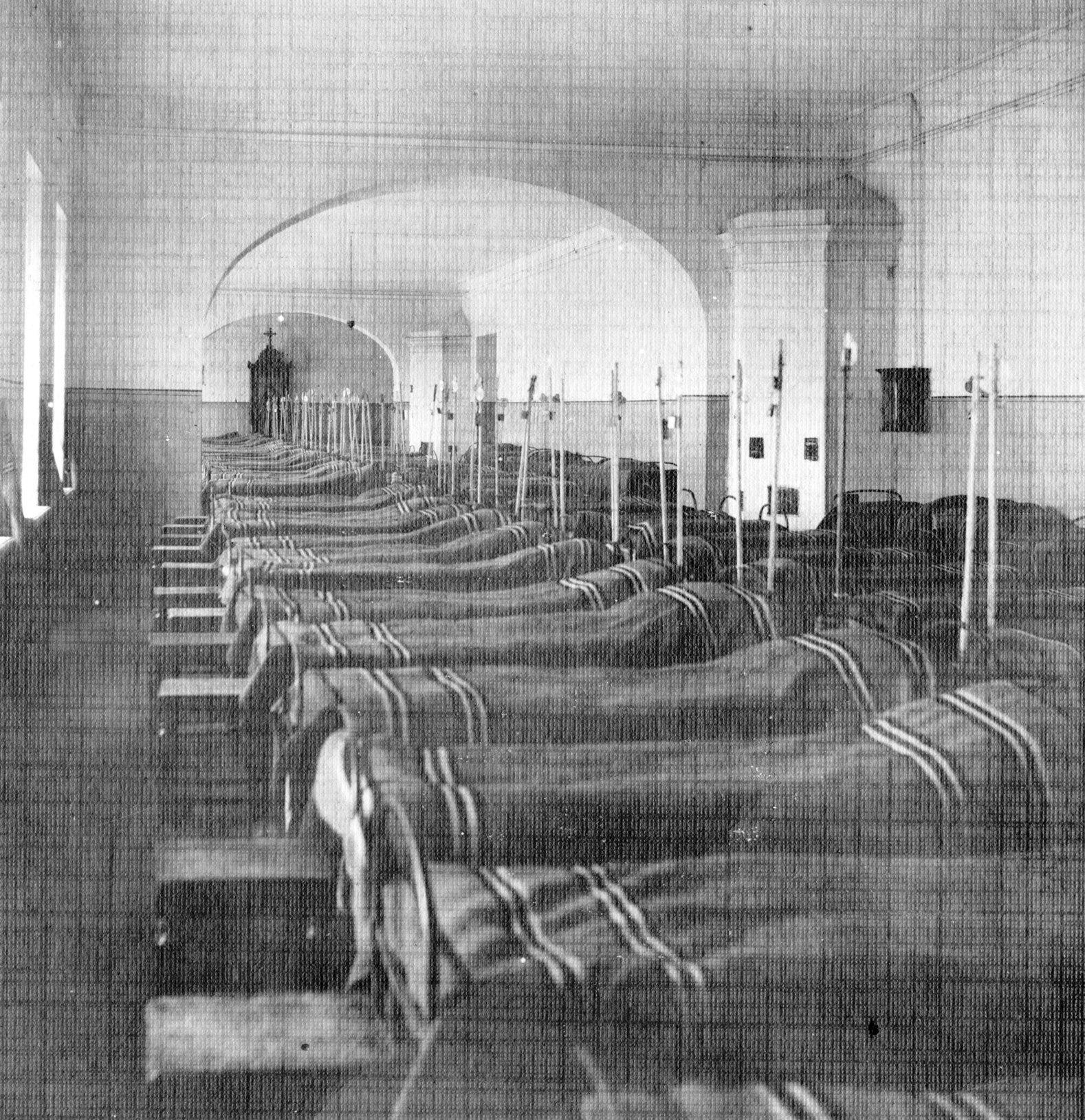Спальное помещение кадет Сибирского корпуса