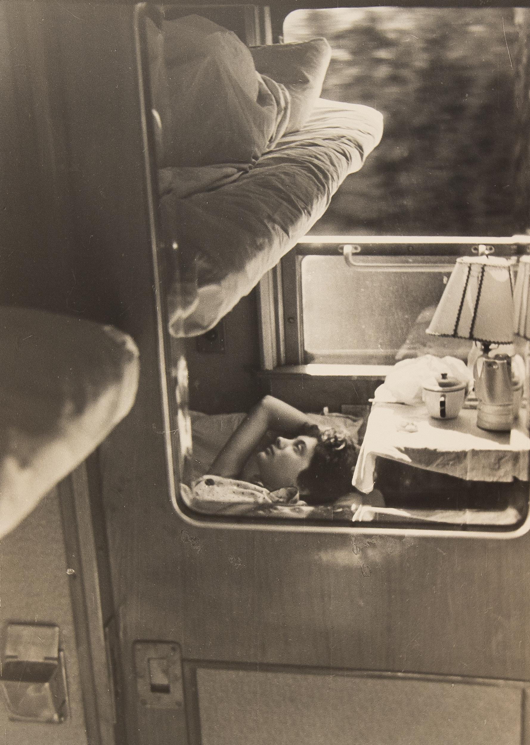 1960-е. Комовский А.Г.  «В вагоне»