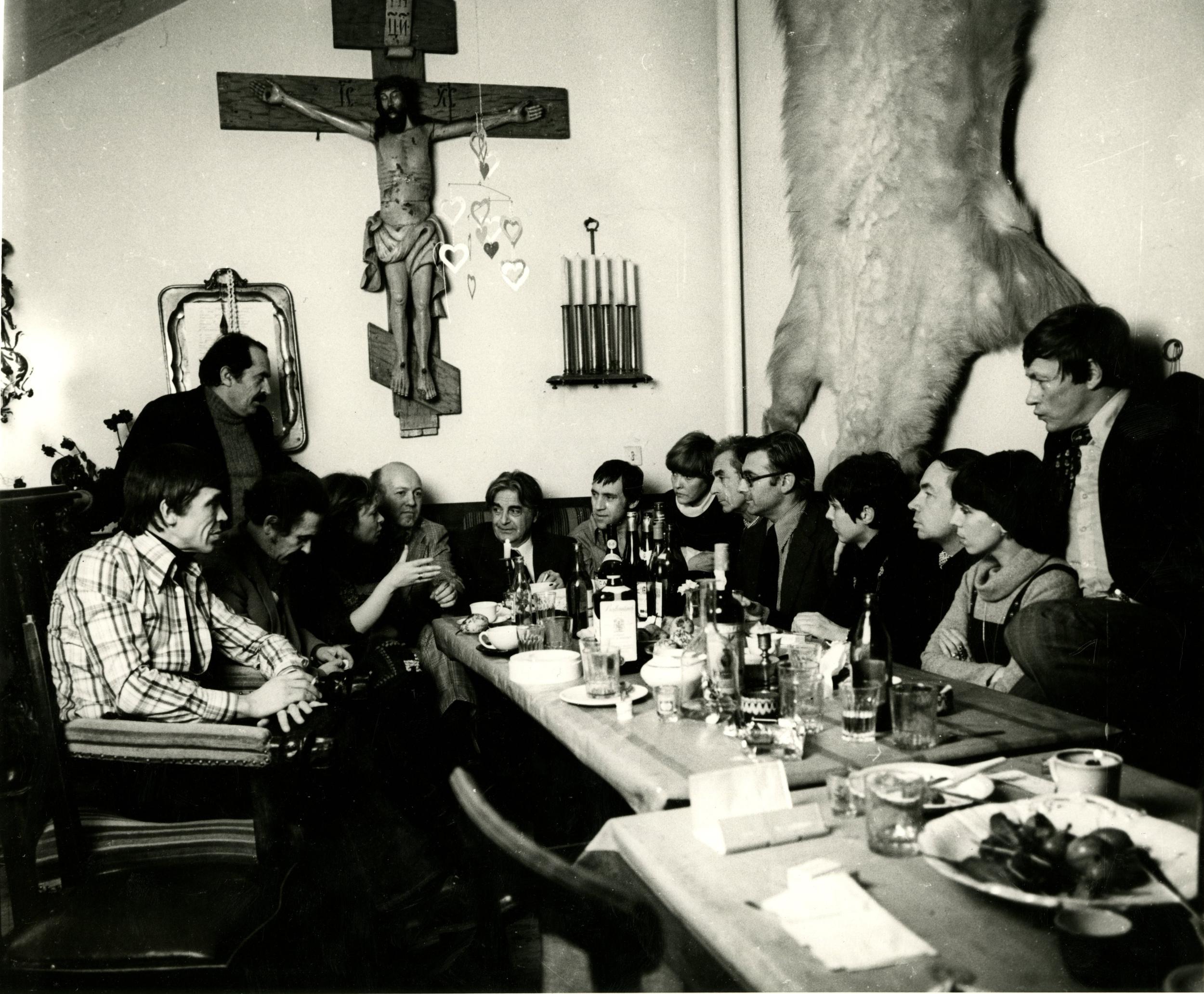 1976. Плотников В.Ф. «Беседа за столом»