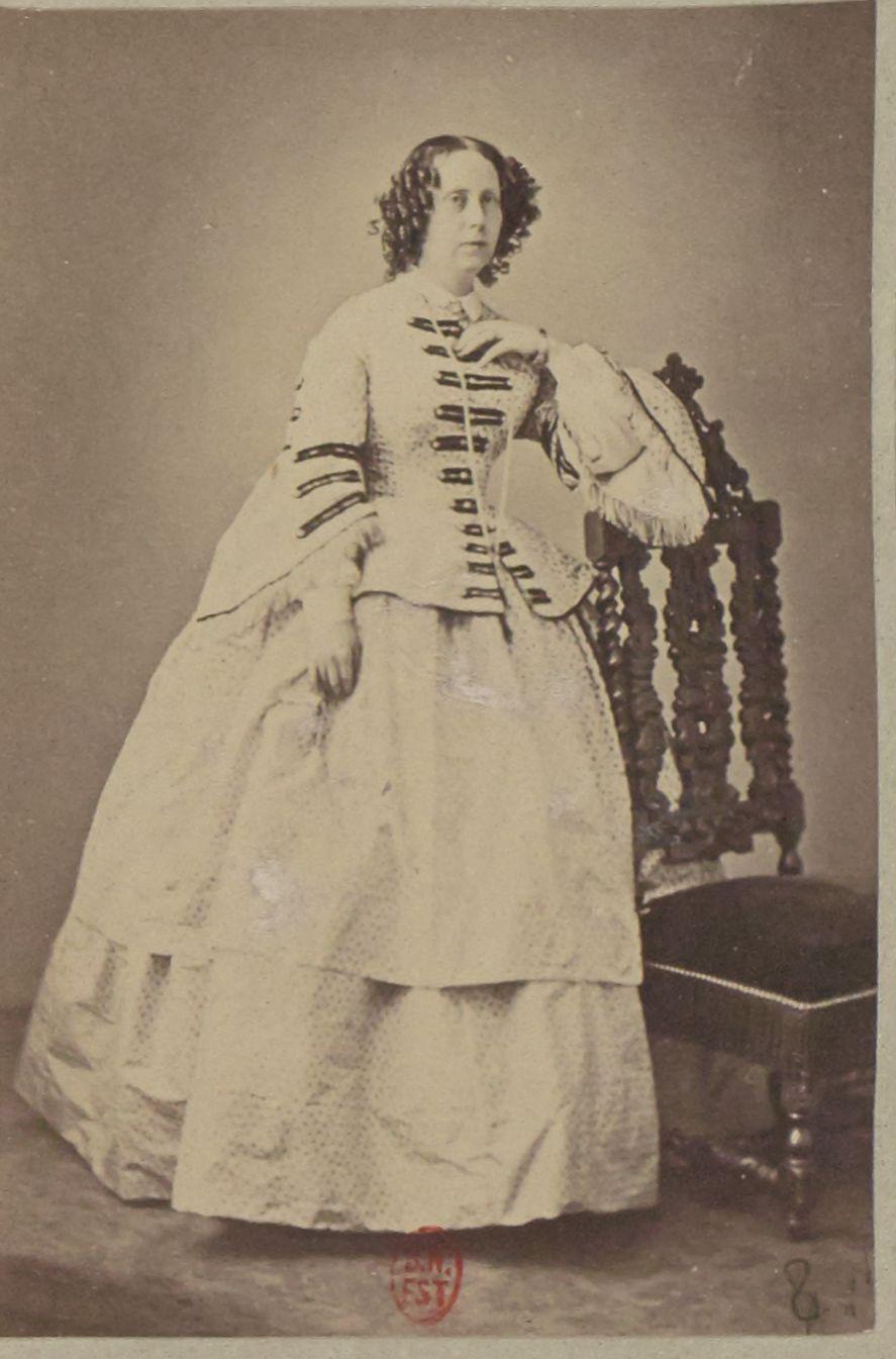 1858. София Вюртембергская (17 июня 1818 — 3 июня 1877) — королева-консорт Нидерландов