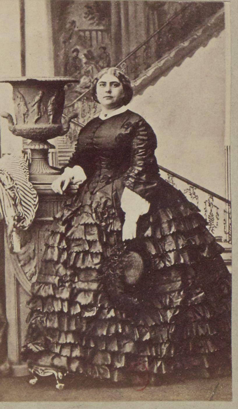 Мария Аделаида Кембриджская (27 ноября 1833, Ганновер — 27 октября 1897, Лондон) — член британской королевской семьи, внучка Георга III