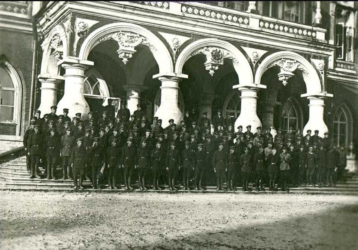 1929. Слушатели 1-х красноармейских командных курсов