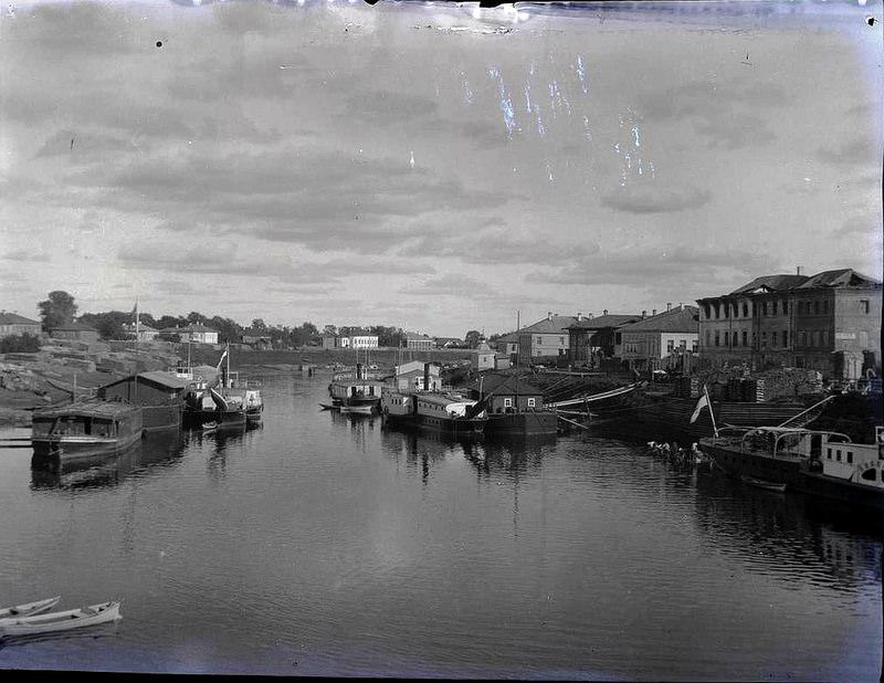 01. Вид на Вологду из гавани