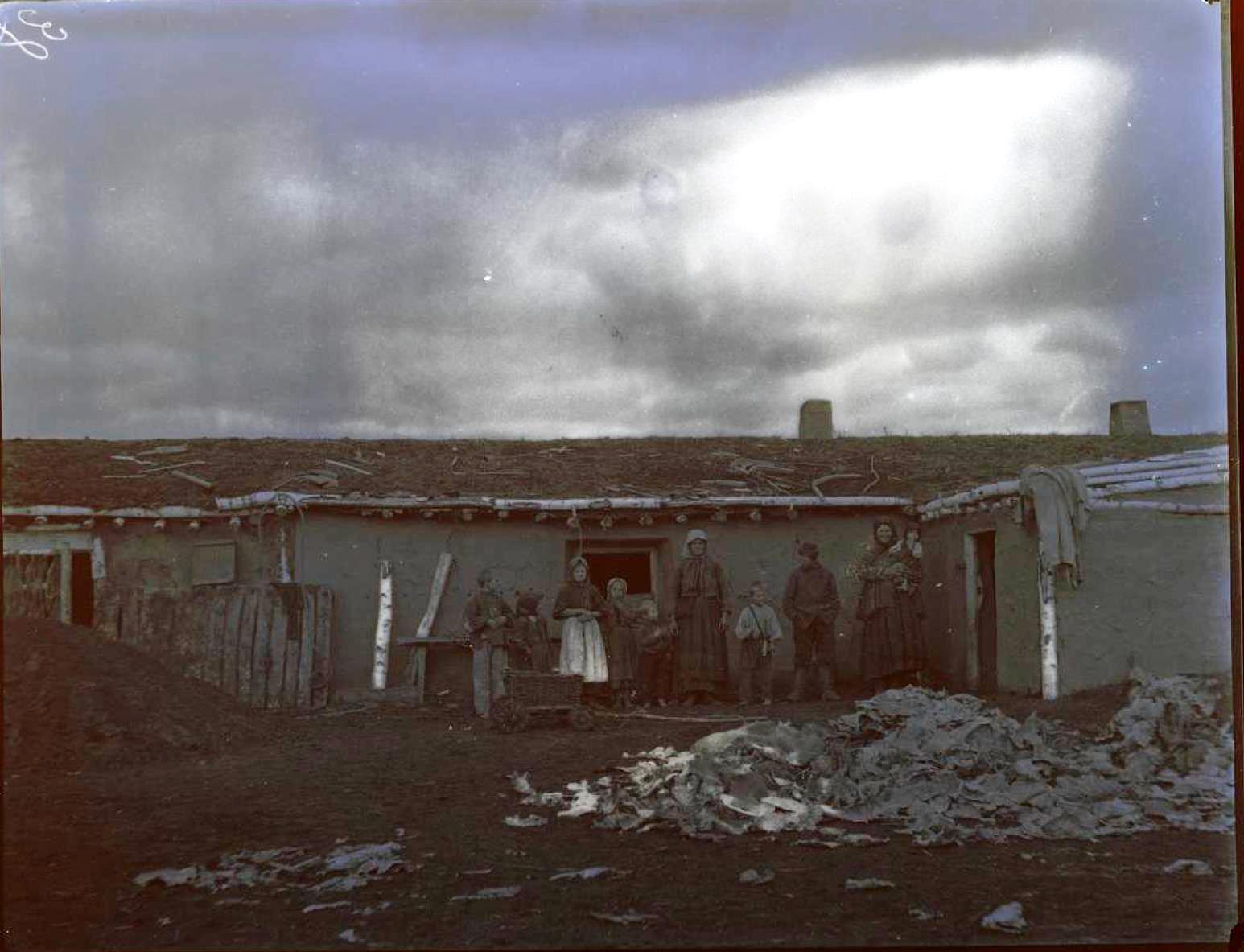 33. Киргизская степь. Местные жители