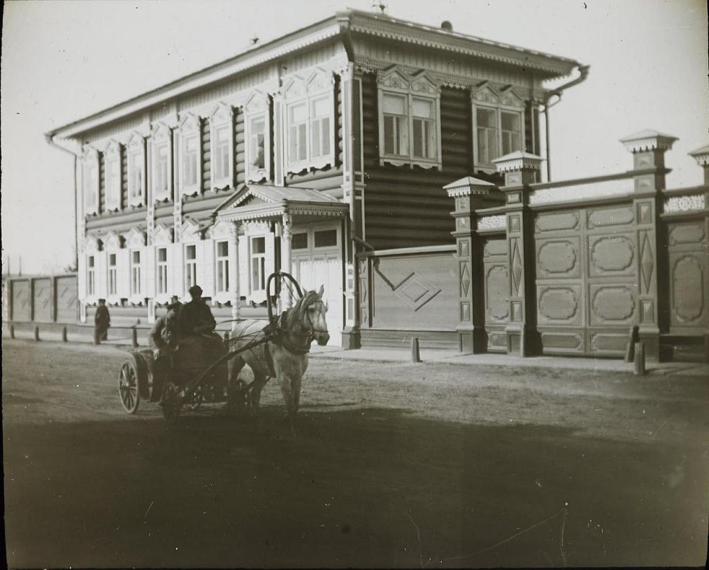 Иркутск. Деревянный дом