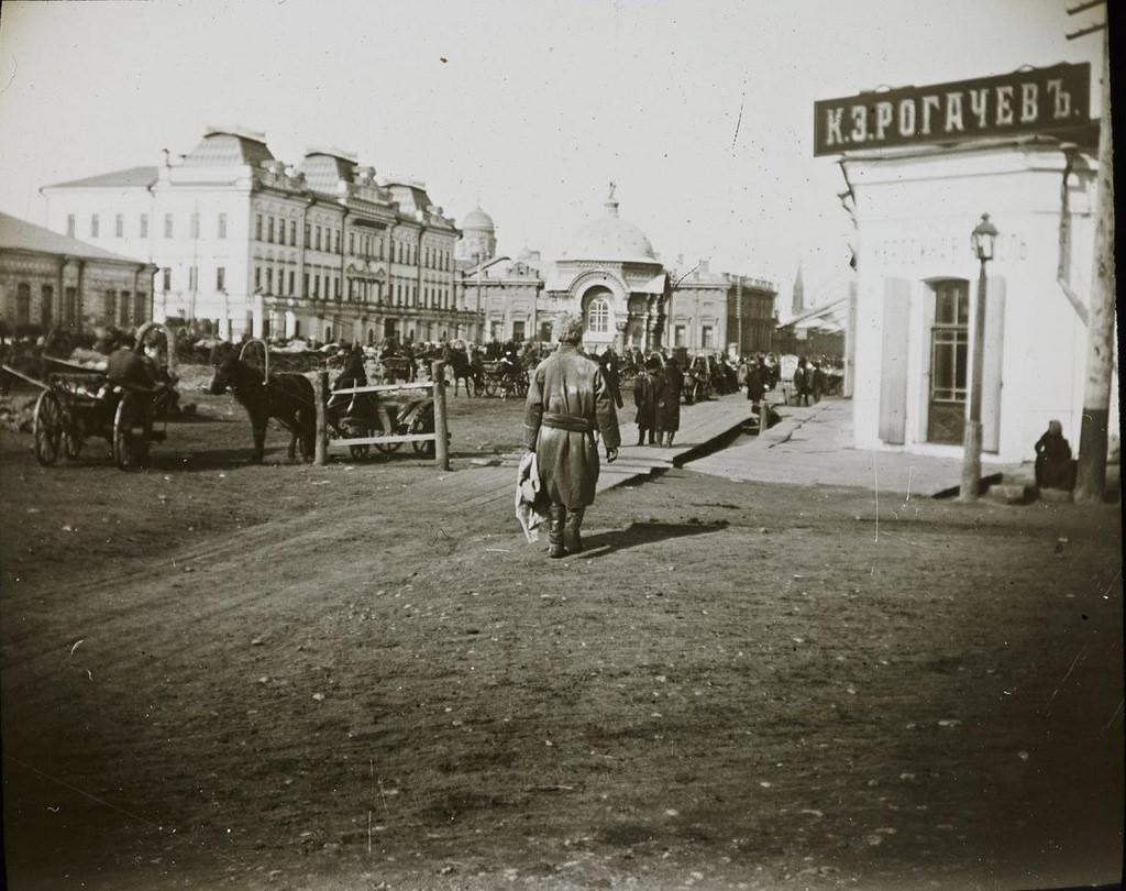 Иркутск. Большая между Ивановской и Пестеревской