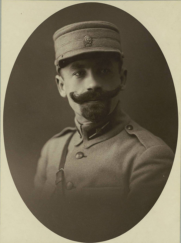 Подполковник Дарсенс, командир батальона