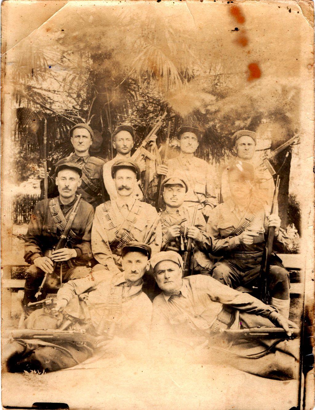1942. Руководящий состав Истребительного батальона при горрайотделе НКВД Цхакая