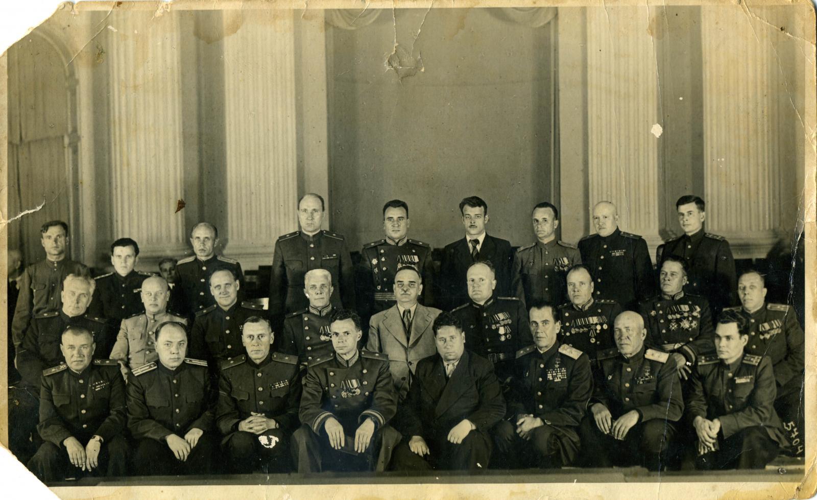 1948. Председатель Президиума Верховного Совета СССР Н.М.Шверник (сидит во 2-м ряду в центре) среди награжденных генералов и работников МГБ