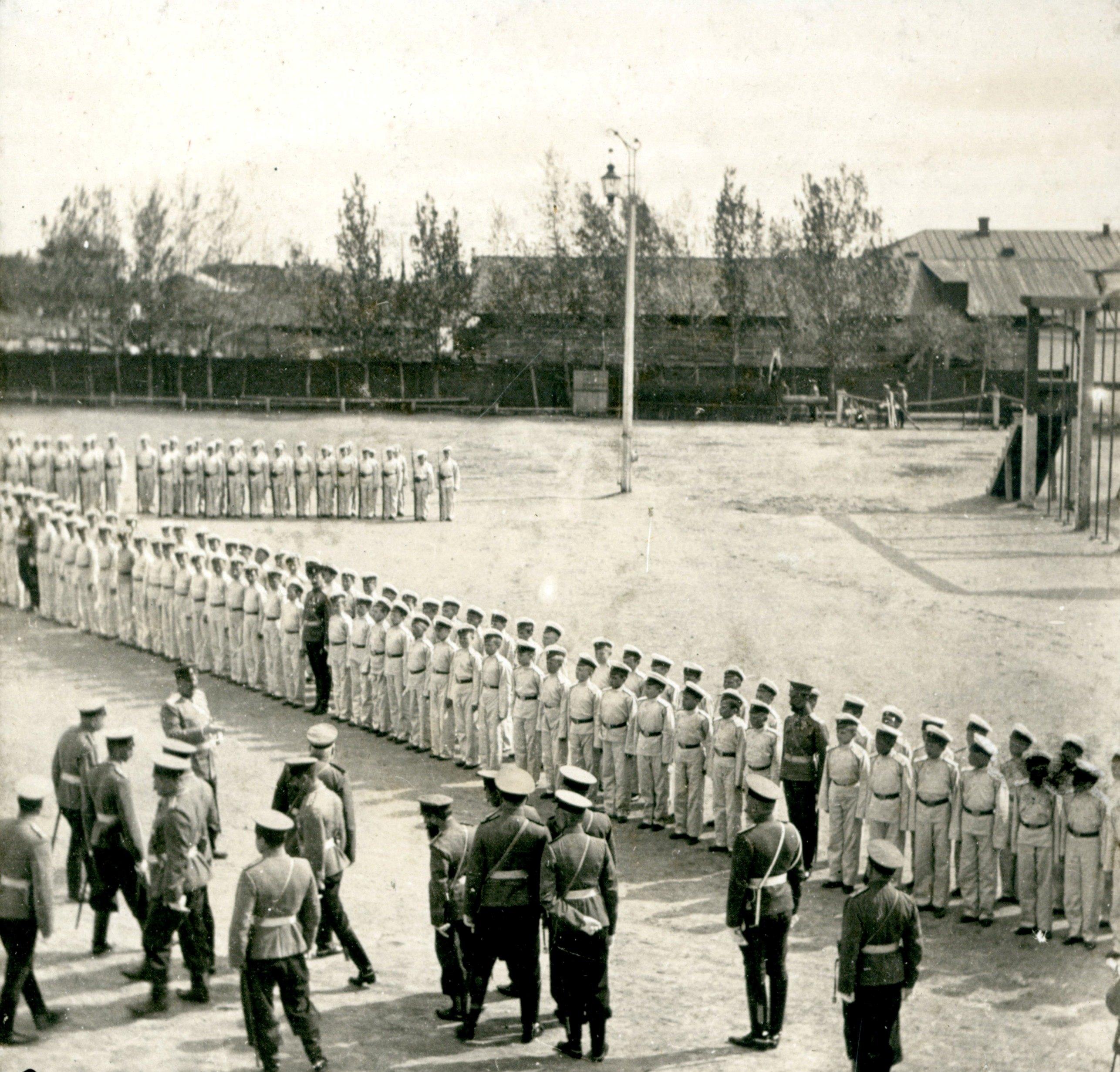 Строй кадет Омского кадетского корпуса