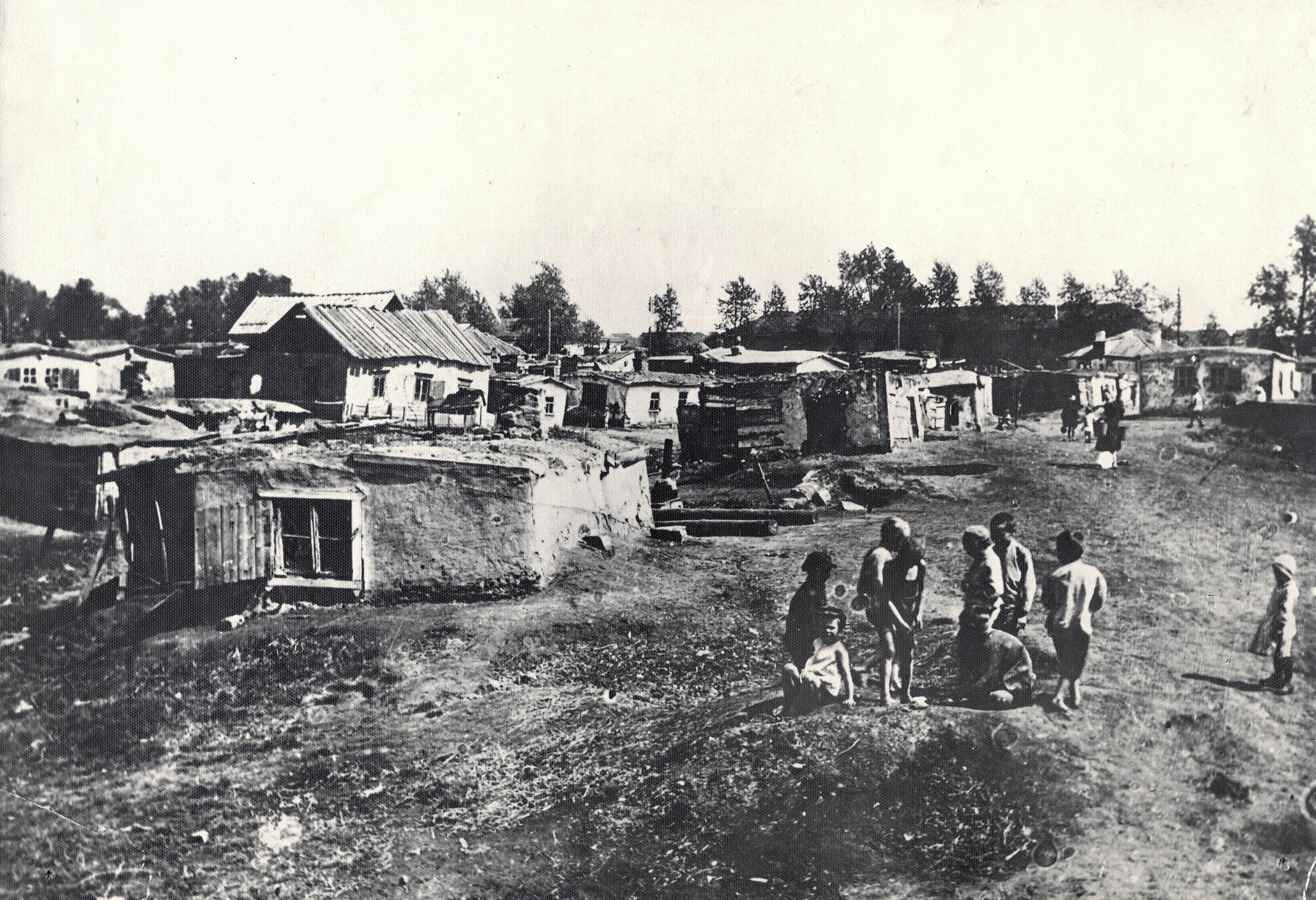 «Мариупольские» землянки рядом с пивзаводом Минея Мариупольского и в них жили многие рабочие
