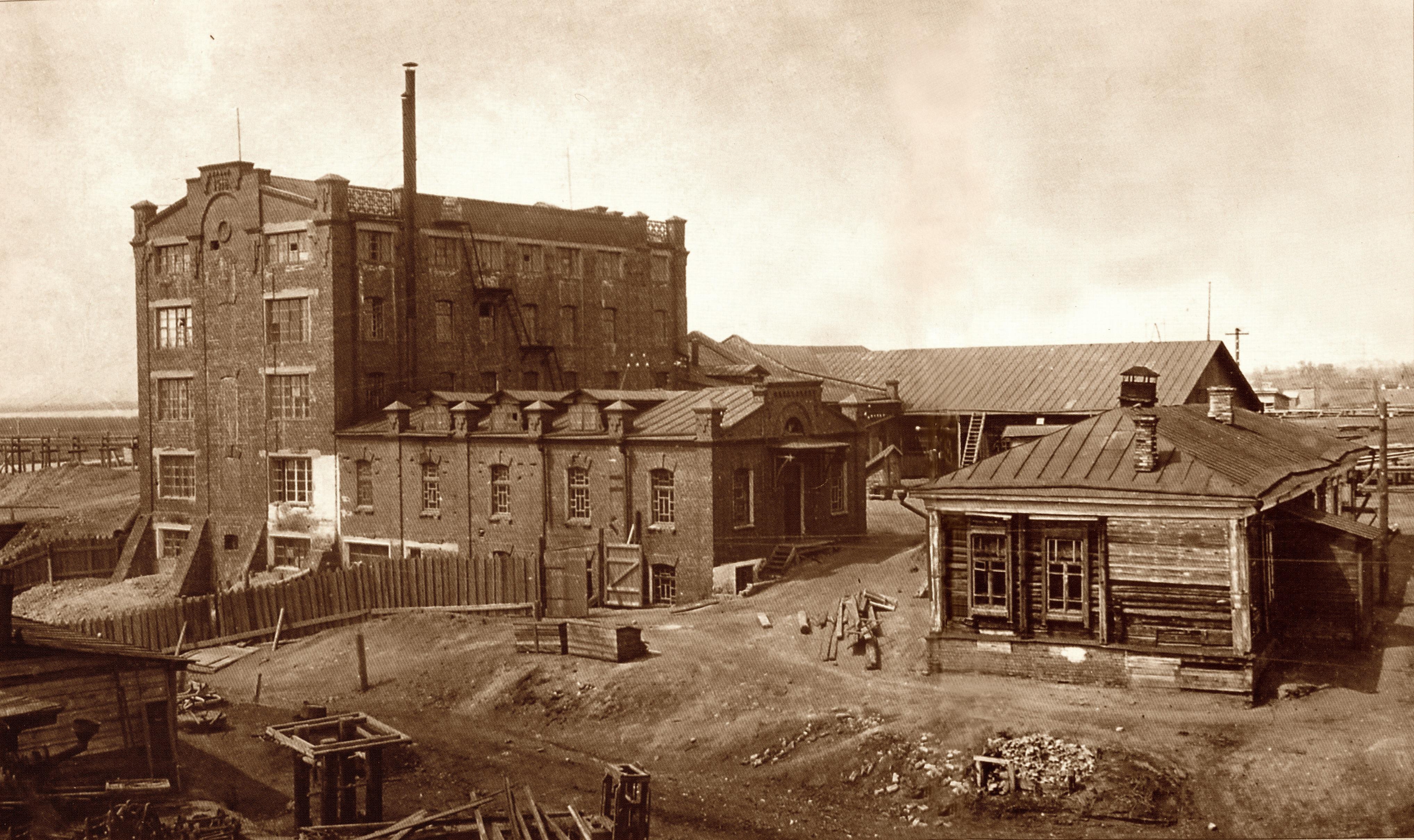 Старое фото в нарве построенной мельницы