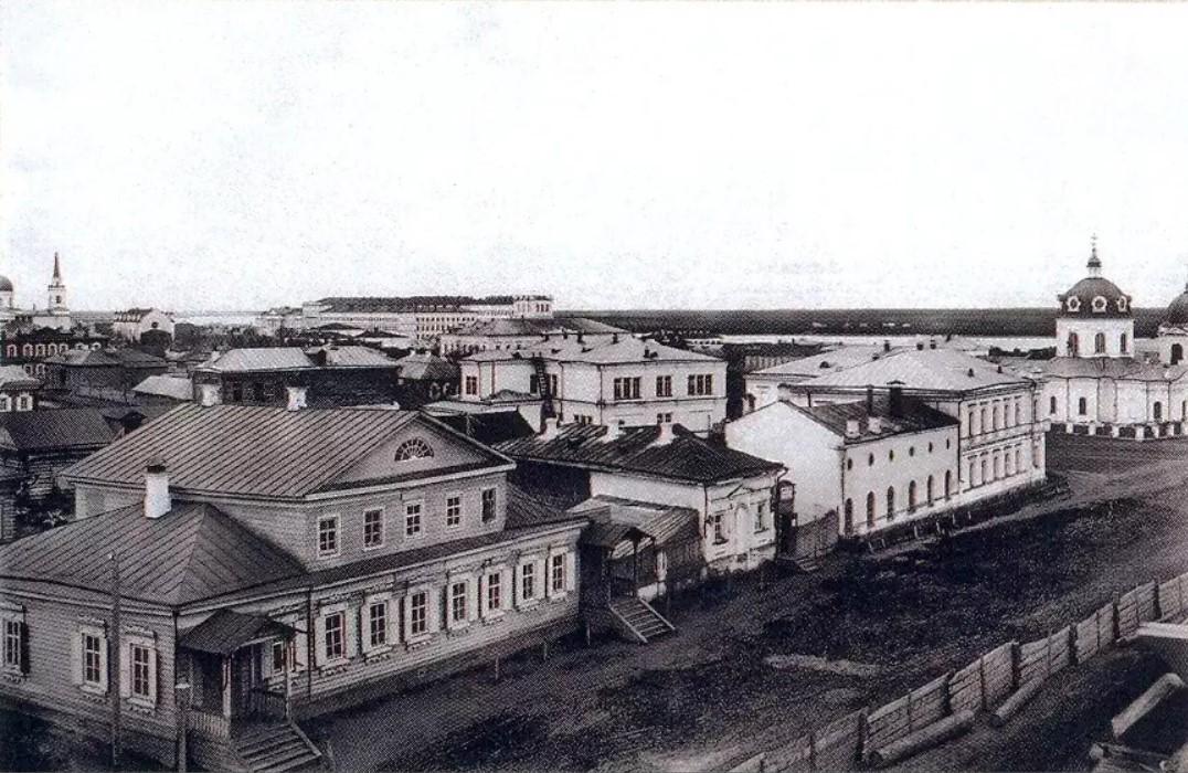 Здание театра-цирка Петра Кузьмича Сичкарева (2)