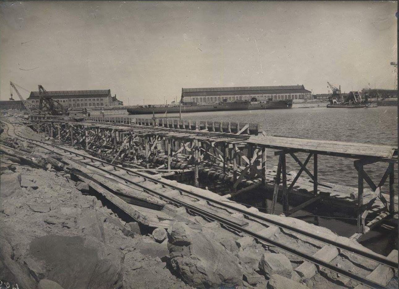 Строительство набережной и пирса, построенного в западной части завода4