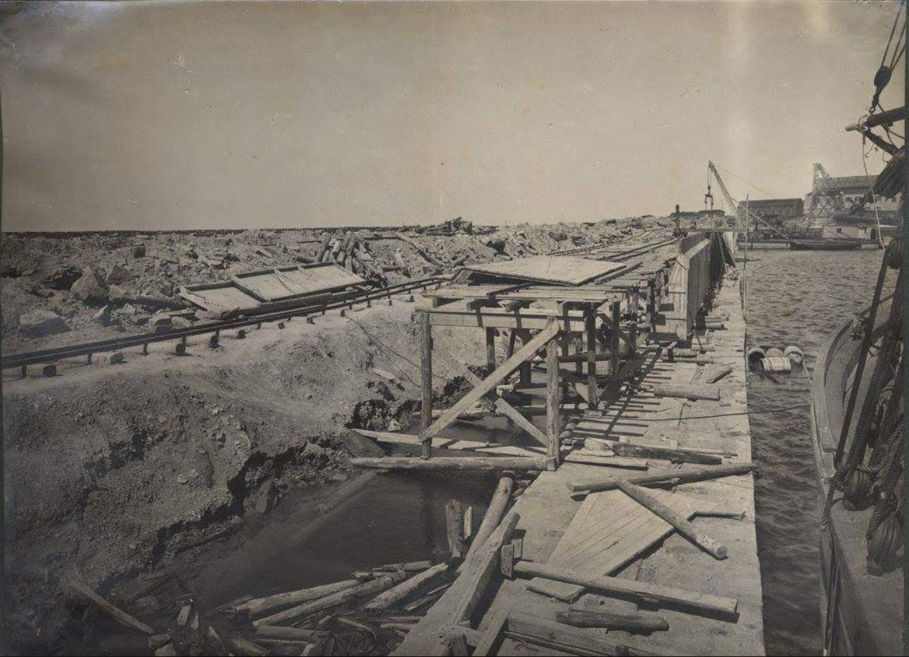 Строительство набережной и пирса, построенного в западной части завода5