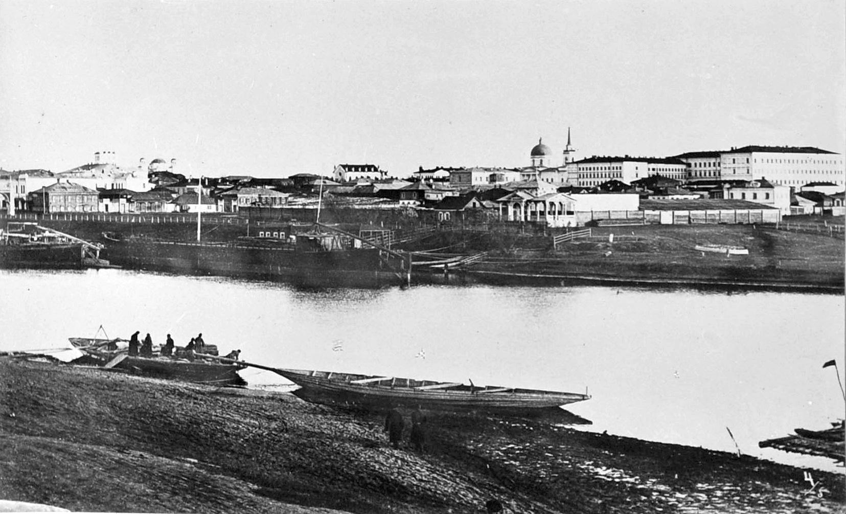 Вид на пристани устья Оми