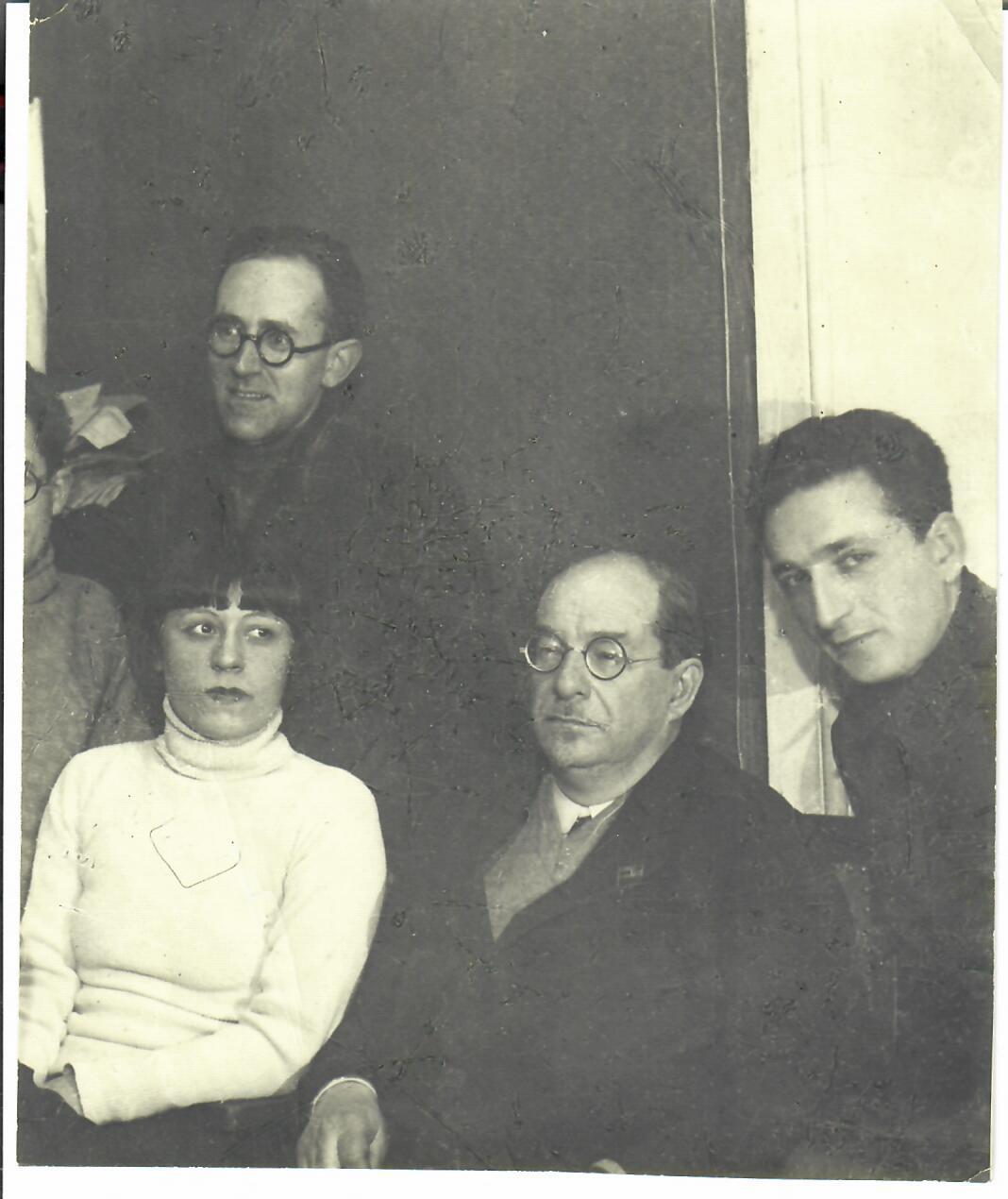 1930-е. Анатолий Васильевич  Луначарский в компании