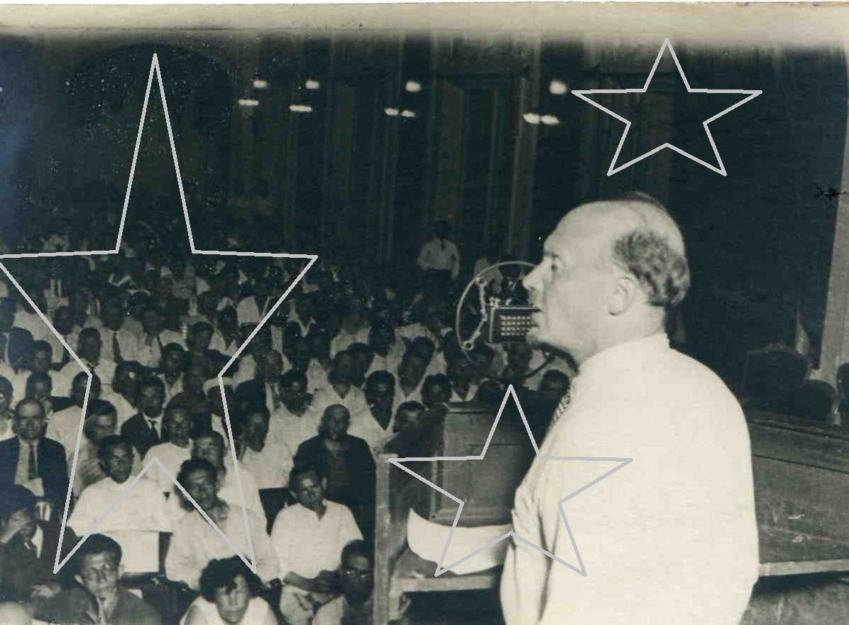1933.  Н.И.Бухарин на конференции инженеров. Москва
