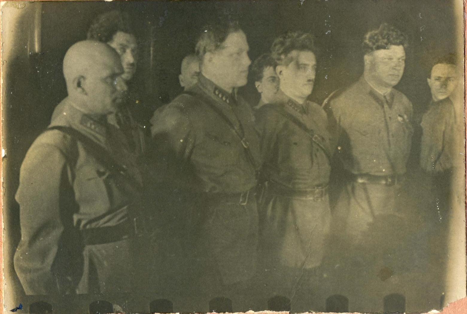1934.  Группа высокопоставленных руководителей ОГПУ на похоронах В. Р. Менжинского