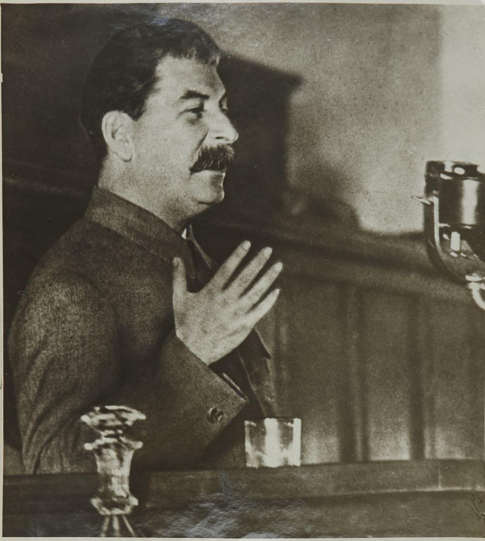 1936. Фото Генерального секретаря ЦК ВКП(б) И. В. Сталина во время доклада о проекте Конституции СССР на Черезвычайном VIII Всесоюзном съезде Советов, ноябрь