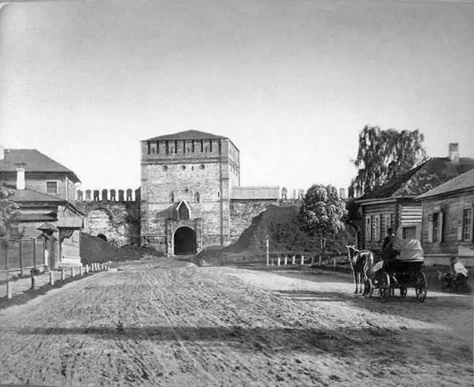 Никольская башня и Никольская улица