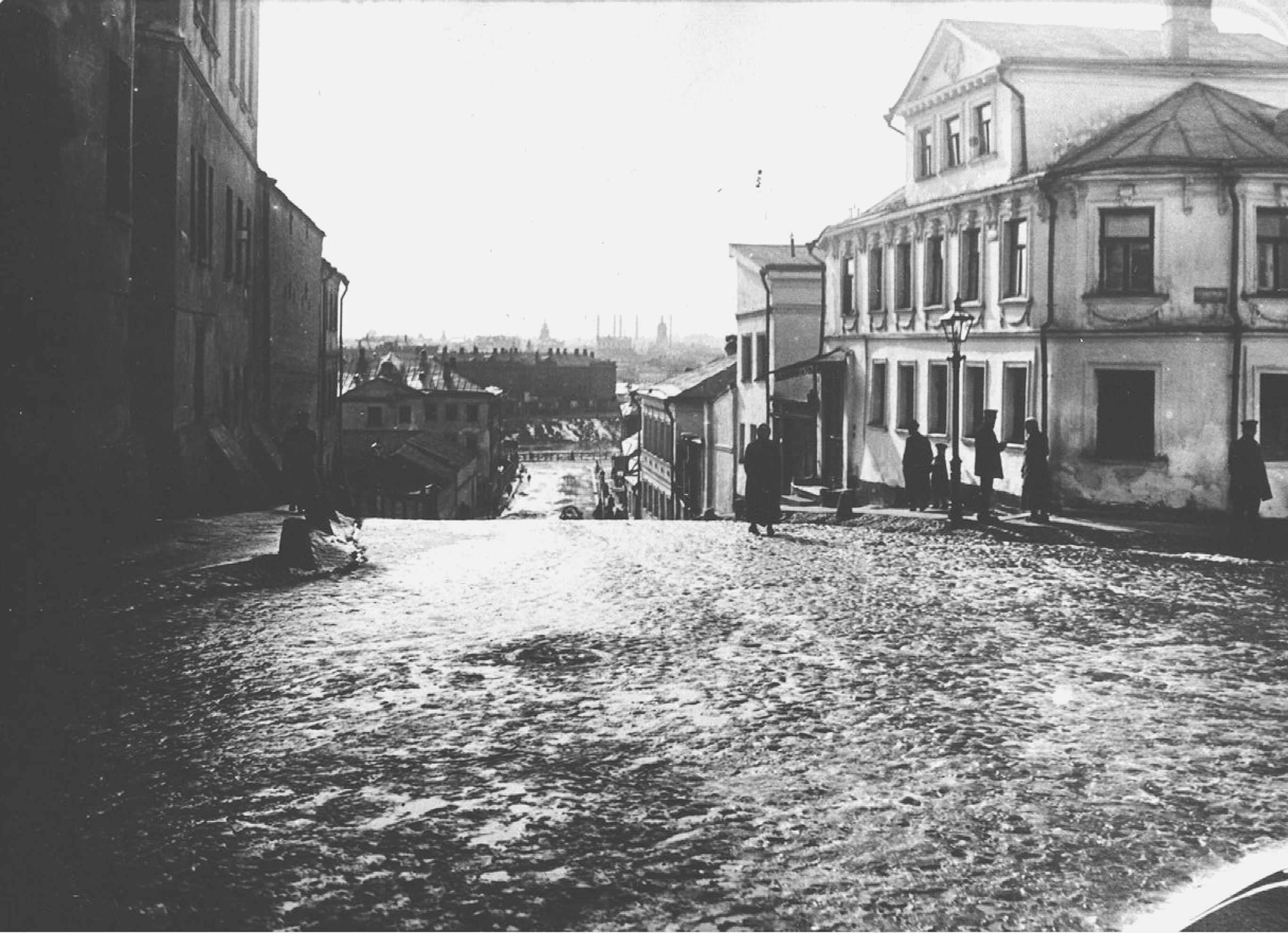 Курносов переулок со Швивой горки.