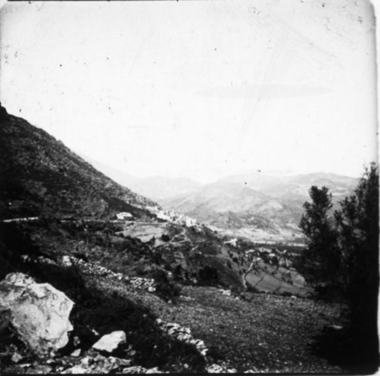 Дорога из Корте в Калакучию