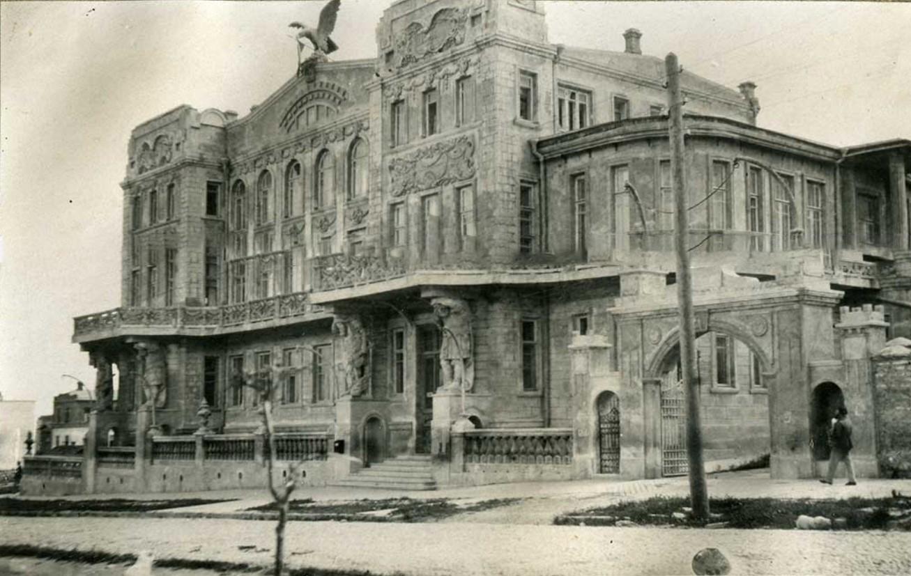 Дом с орлом, резиденция Черноморского губернатора