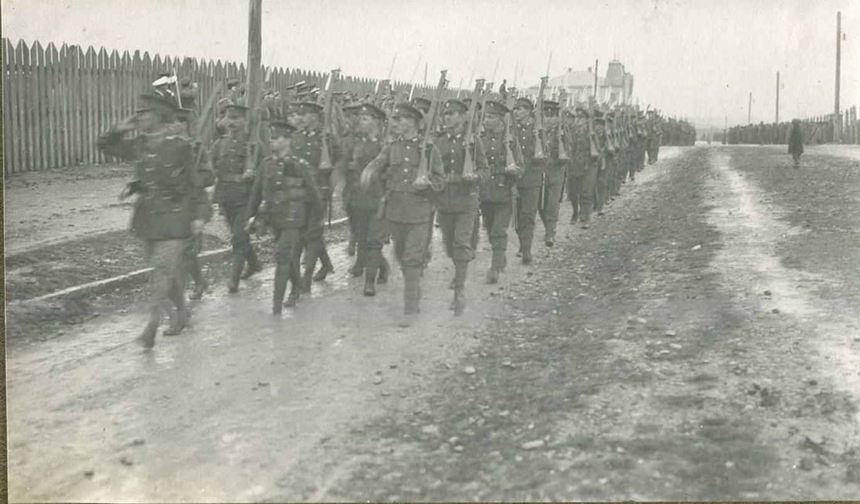 Прохождение торжественным строем британских войск