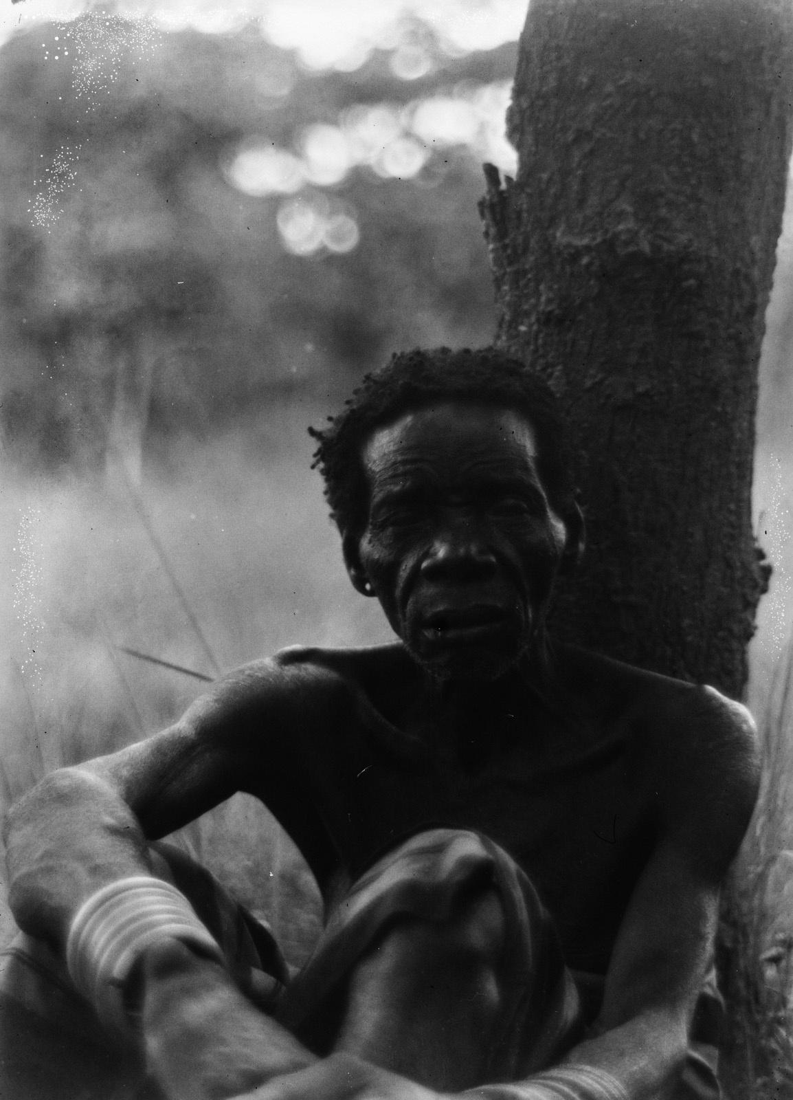 Канколонкола. Мужчина по имени Джирова. Он является лидером неуточненной этнической группы