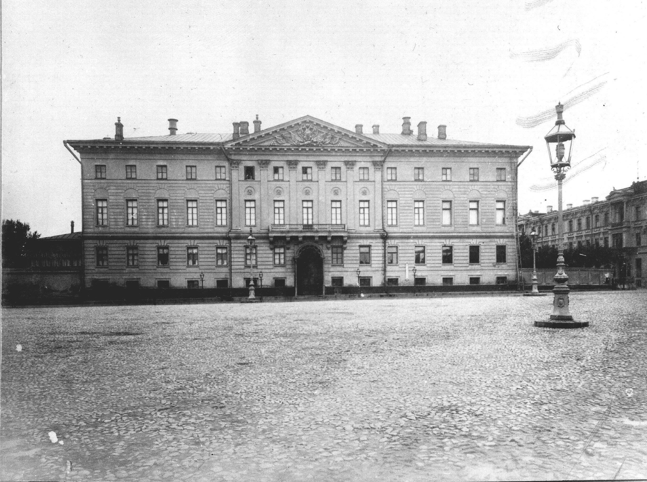 Дом генерал-губернатора на Тверской площади