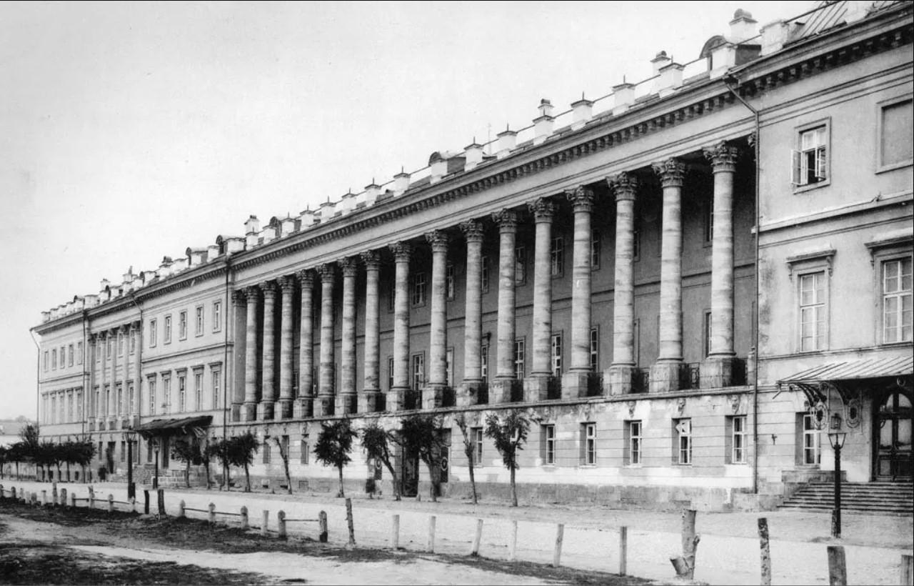 Екатерининский дворец в Лефортове