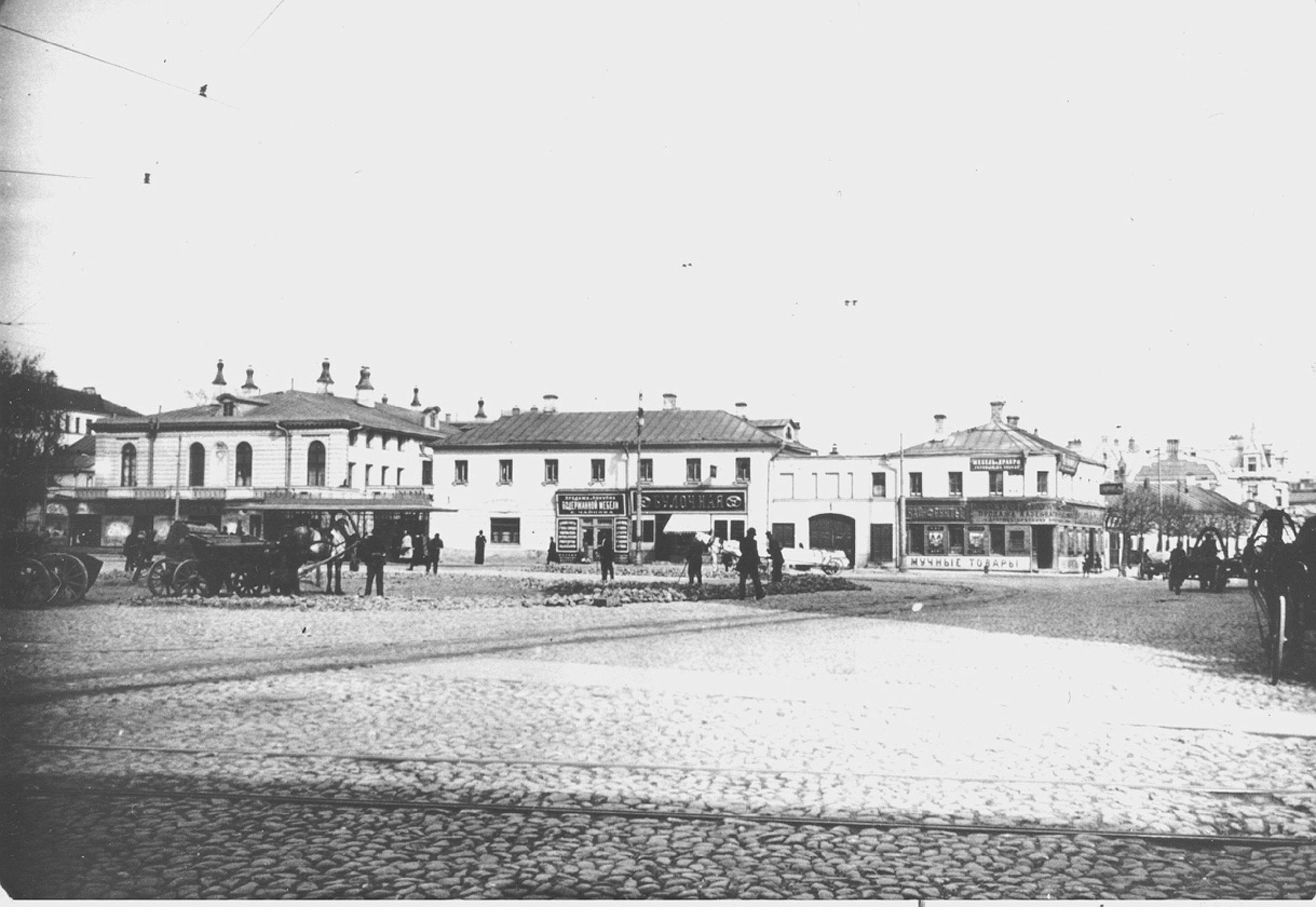 Кудринская площадь. Угол Поварской улицы
