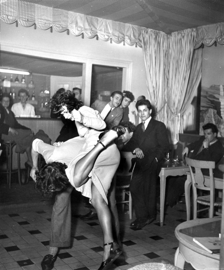 1948. В ночном клубе «Сен-Ив» в районе Сен-Жермен-де-Пре
