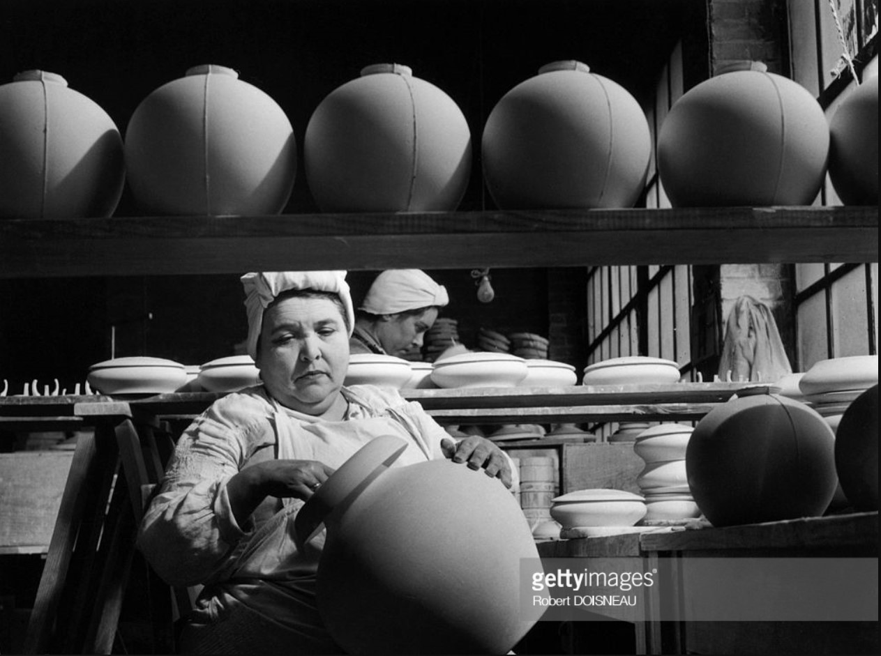1951. На фабрике по производству фарфора Тарауд в Лиможе