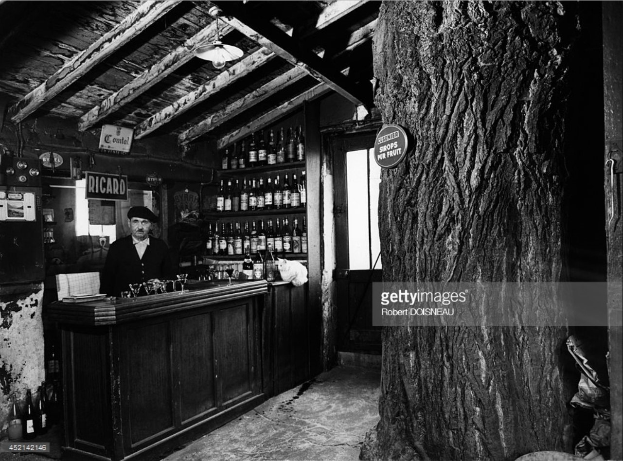 1957. Кафе г-на Дубрейи. Париж