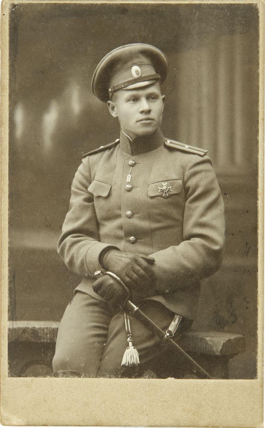 1910-е. Фото прапорщика Российской Императорской армии