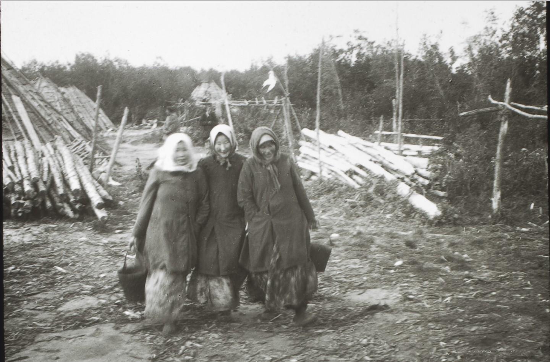 Якутская область. Три тунгусские женщины
