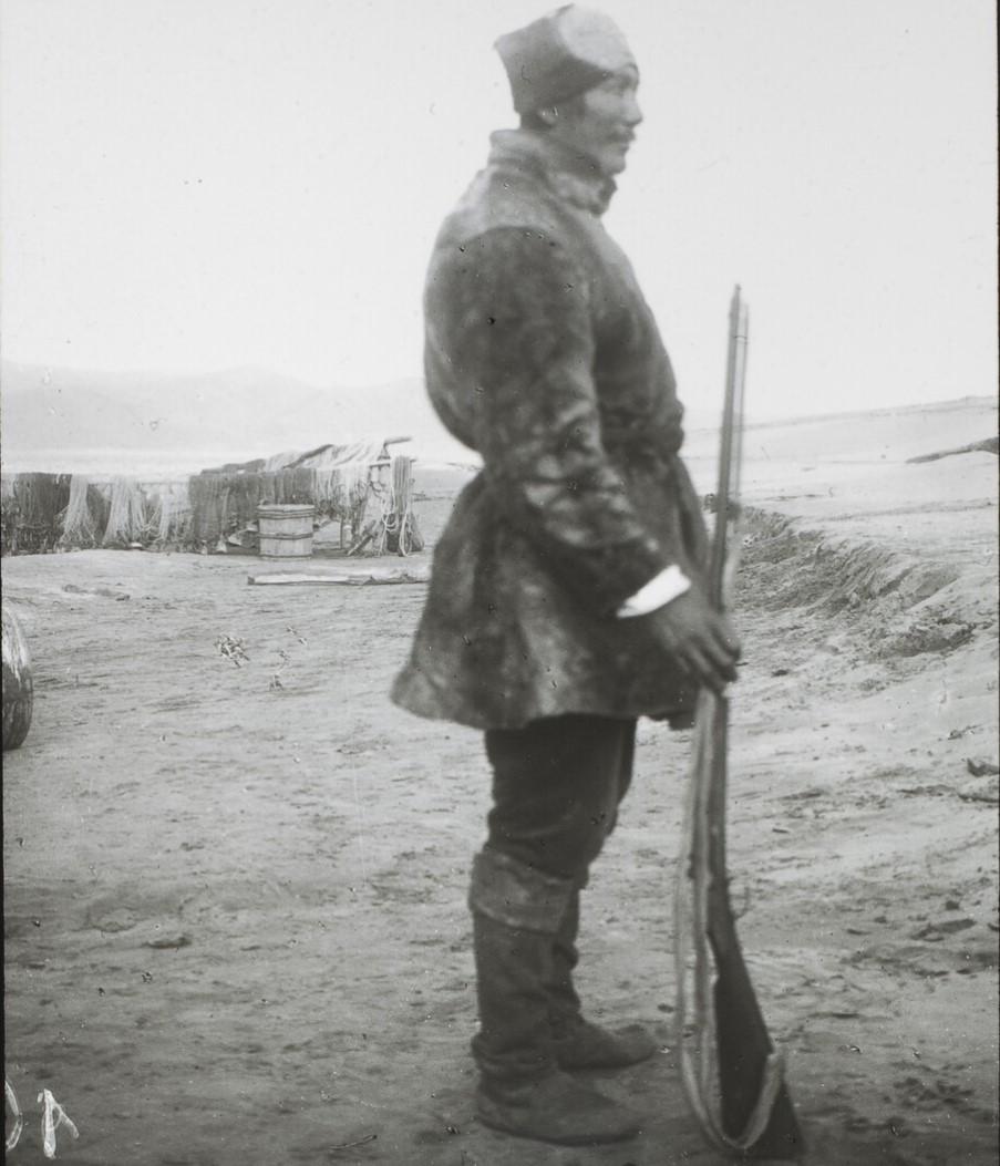 Якутская область. Якут, 40 лет. Переводчик с тунгусского, Нижняя Лена.