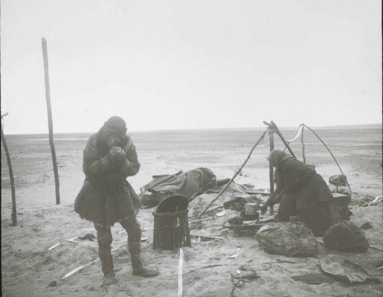 Якутская область. Якутские рыбаки из дельты Лены