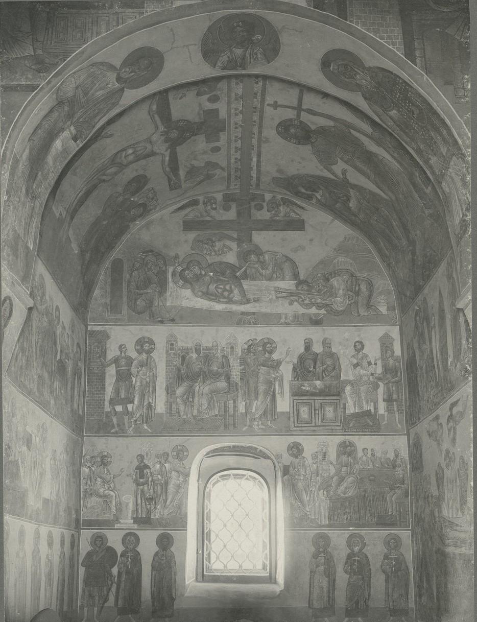 Общий вид росписи северной стены Спасо-Преображенского собора Мирожского монастыря