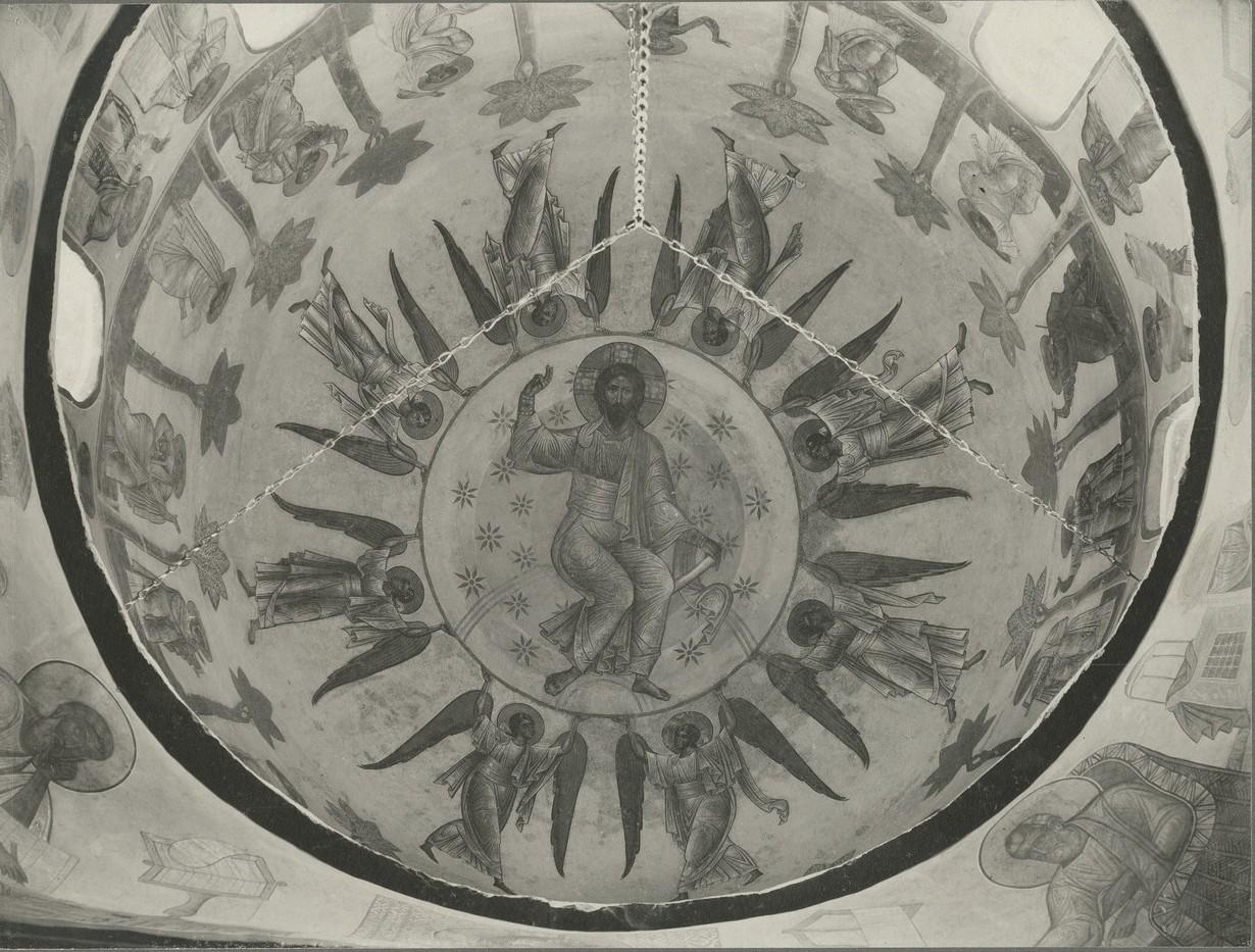 Центральная часть композиции росписи купола   Спасо-Преображенского собора Мирожского монастыря