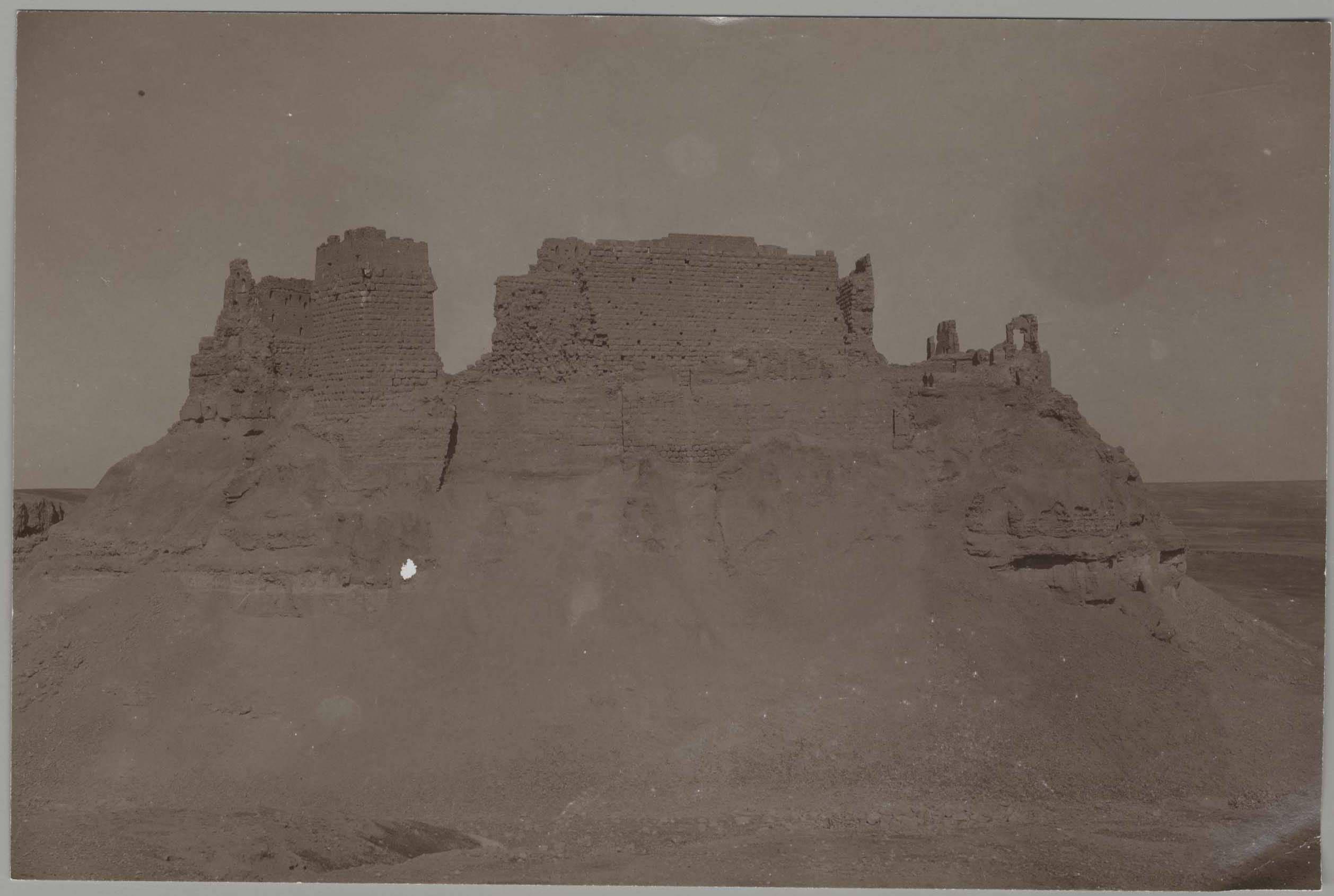 Замок Рахба. Вид с западной стороны