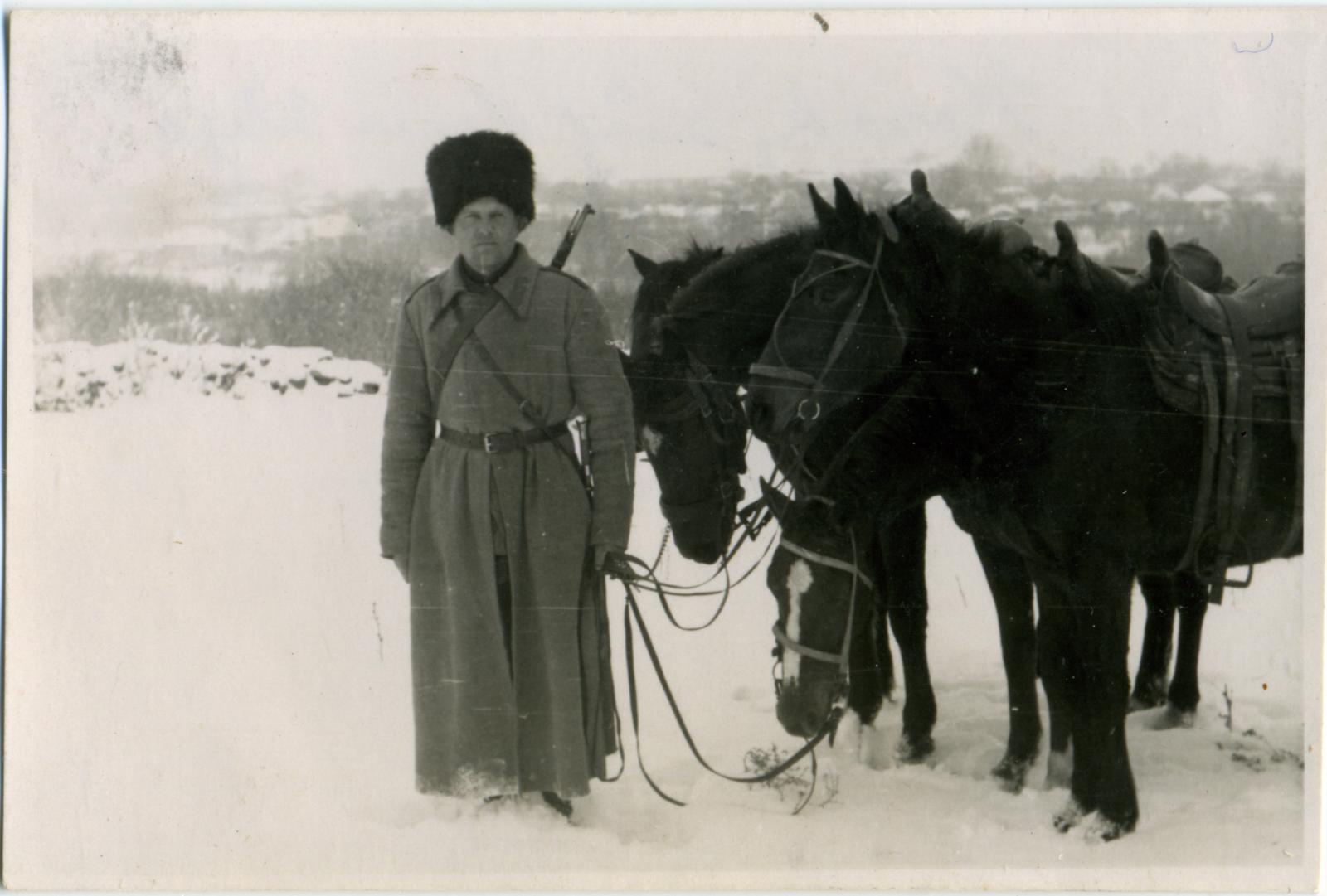 Казак 403-го казачьего кавалерийского дивизиона. Свердловск