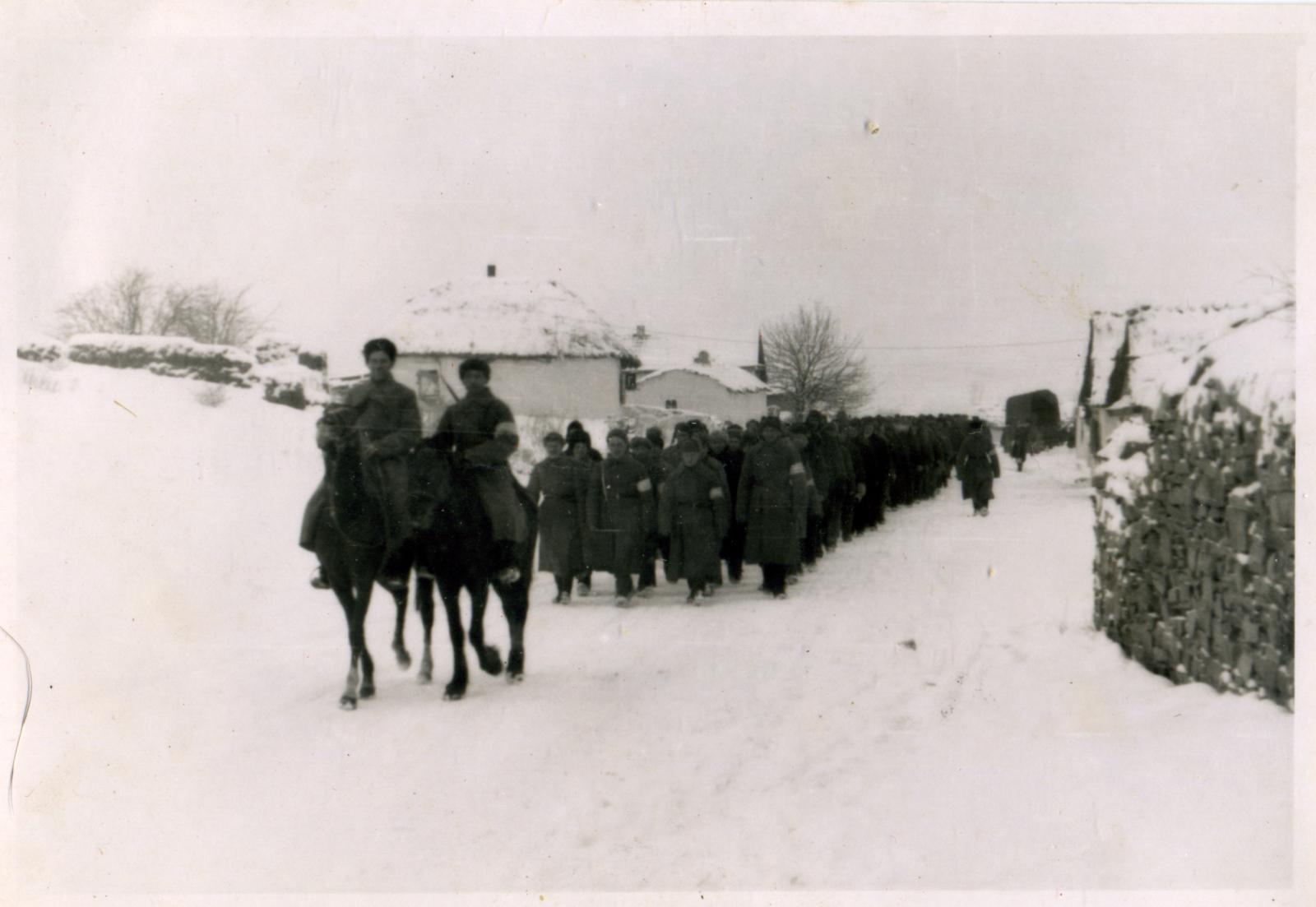 Казаки 403-го казачьего кавалерийского дивизиона. Свердловск